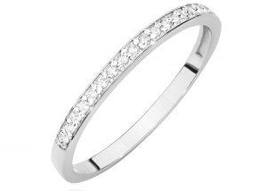 Biały pierścionek